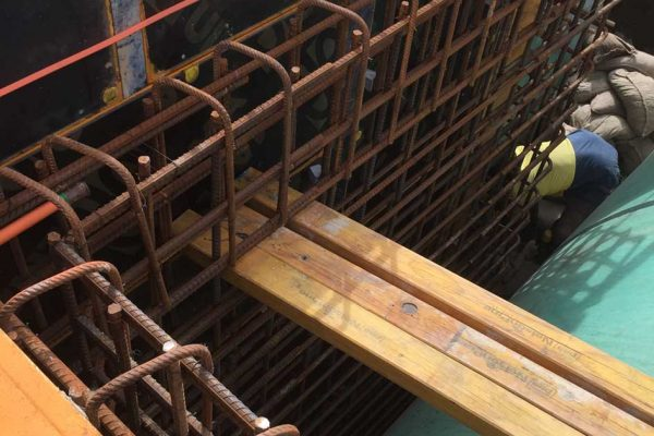 Lend Lease C2CA3 Coory To Curra GA6 Head & Wing Wall, Formwork, fix reinforcing & pour
